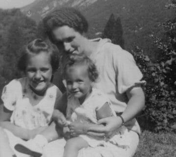 Silvana e sua sorella Bianca Maria con la mamma