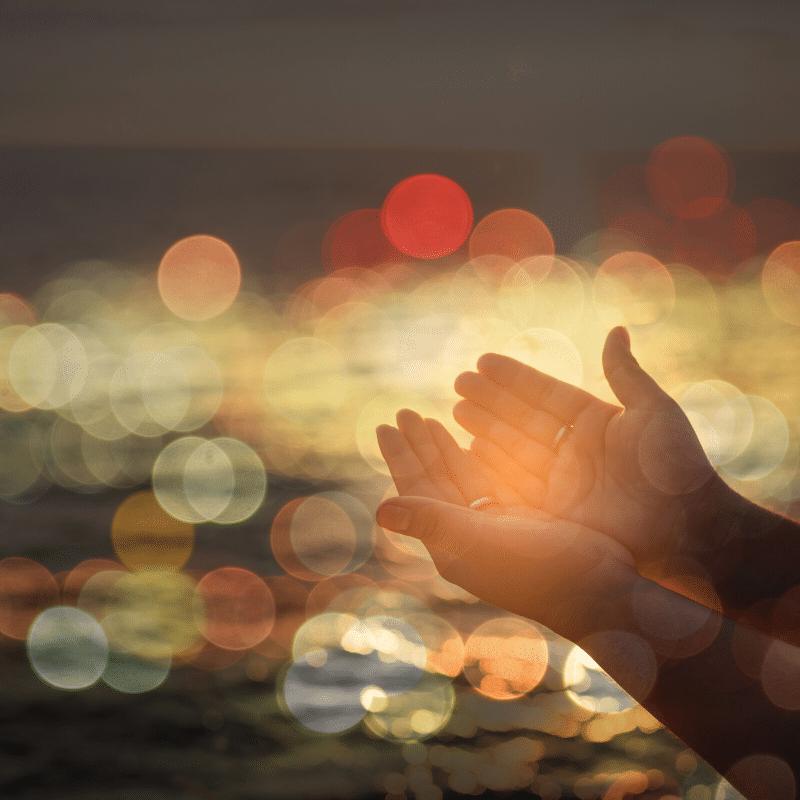 Il padre del fanciullo rispose ad alta voce: «Credo, aiutami nella mia incredulità»  (Mc 9,24)